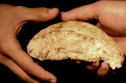 Hands_Sharing_Bread