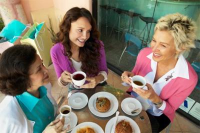 Friends having coffee2-saidaonline